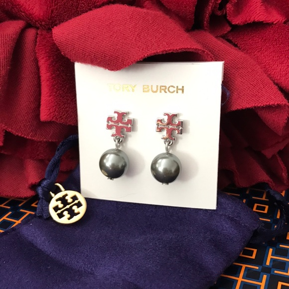 f658ac522a5 Tory burch earrings new with pouch